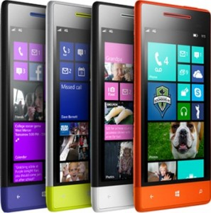 HTC Windows Phone 8S eri väreissä