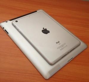 Applen pikku-iPad isomman päällä