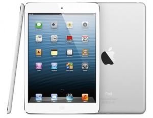 Apple nykyinen iPad mini sivulta, edestä ja takaa