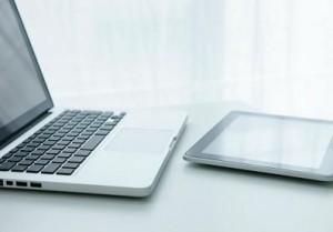 Perinteinen kannettava tietokone vs. tabletti