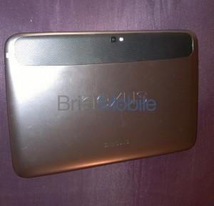 Nexus 10 takaa BriefMobilen julkaisemassa kuvassa