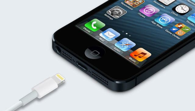 Applen Lightning-liitin ja iPhone 5