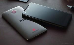 Musta HTC Deluxe GSMArenan julkaisemassa kuvassa