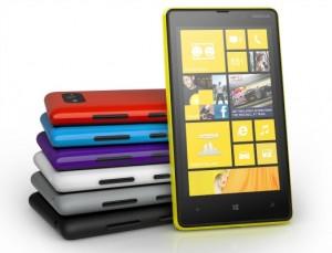 Nokia Lumia 820 eri väreissä