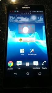 Sony C6603/Yuga vuotaneessa kuvassa