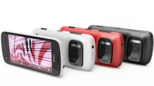 Nokia 808 PureView eri väreissä