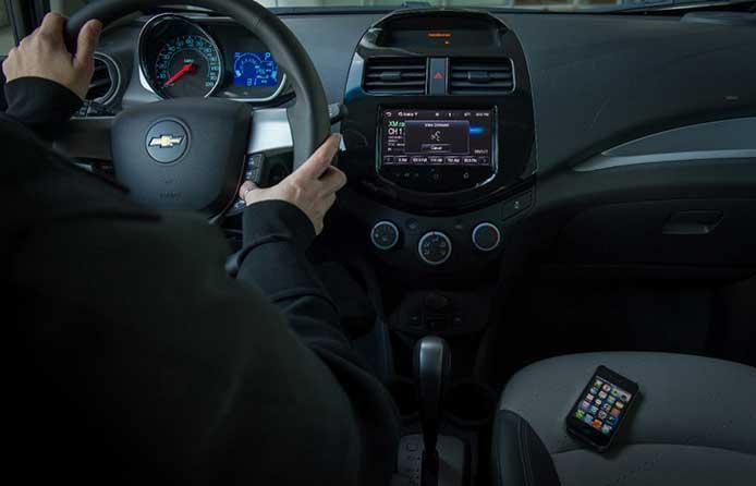 Chevrolet ja Siri Eyes Free