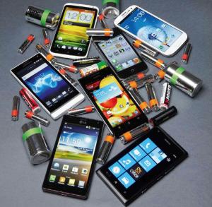 Älypuhelimia ja paristoja