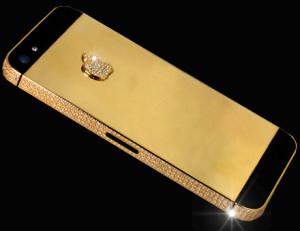 Kultaisen iPhone 5:n Apple-logo on koristeltu timantein