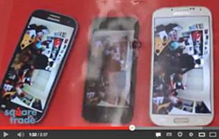 Samsungin Galaxy S3, S4 ja iPhone 5 kestävyystestissä.
