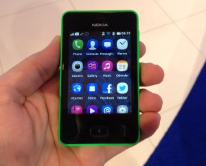 Nokia Asha 501 ja sovellusvalikko