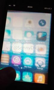 Väitetty iDownloadBlogin julkaisema kuva Applen iOS 7:stä