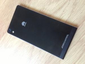 Huawei Ascend P6 takaa