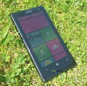 Nokia EOS näyttö päällä ViziLeaksin julkaisemassa kuvassa