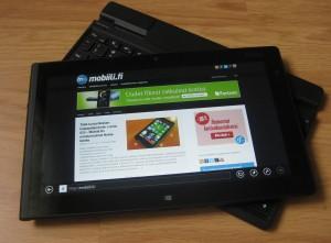 Lenovo ThinkPad Tablet 2 ja lisävarusteena myytävä näppäimistö