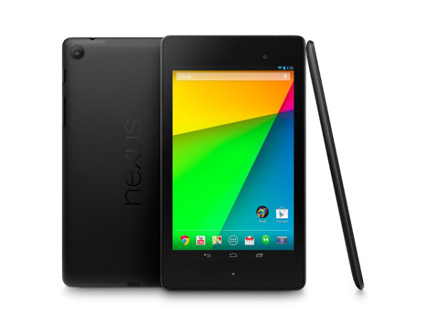 Uusi Nexus 7 edestä, takaa ja sivulta