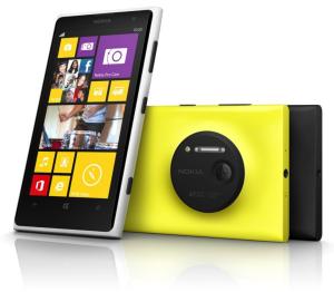 Nokia Lumia 1020 edestä ja takaa