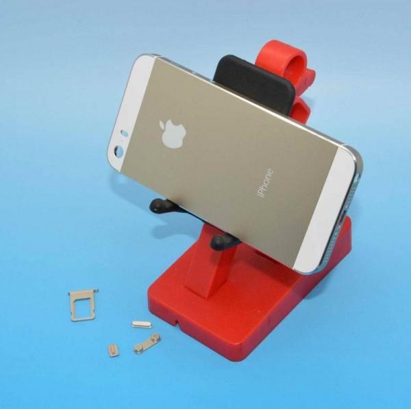 iPhone 5S:n väitetty samppanjankultainen kuori Sonny Dicksonin aiemmin julkaisemassa kuvassa