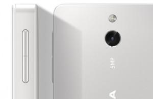 Nokia 515 lähikuvassa