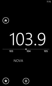 FM-radion käyttöliittymä on pelkistetty, mutta toimiva.