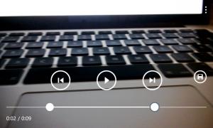 Nokia Video Trimmer -sovellus on hyvin yksinkertainen - alareunan janalta pisteitä raahaamalla videonsa voi lyhentää halutun mittaiseksi.