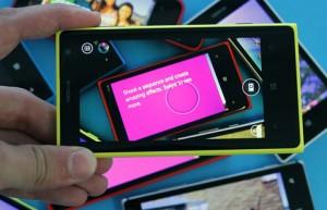Nokia Smart Camera mahdollistaa sarjakuvauksen jälkeen muun muassa parhaan kuvan valinnan tai kuvien yhdistelyn toimintakuvaksi