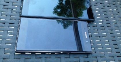 Kuusituumainen Lumia 1520 vertailussa Sonyn viisituumaisen Xperia Z:n kanssa