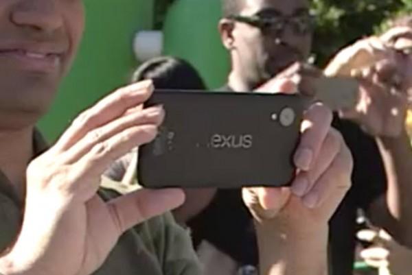 Julkistamaton Nexus-puhelin Googlen videolla