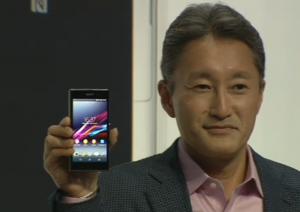 Sonyn pääjohtaja Kazuo Hirai esittelee Xperia Z1:tä
