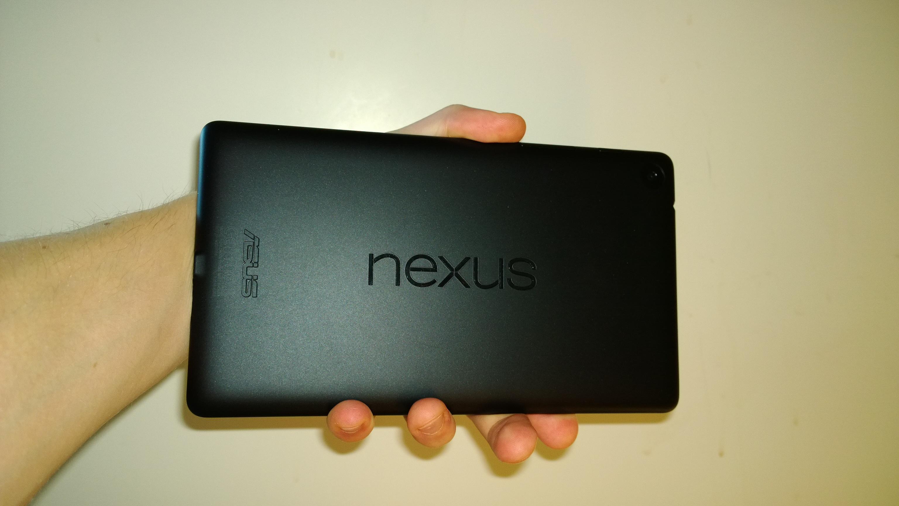 Nexus 7 takaa