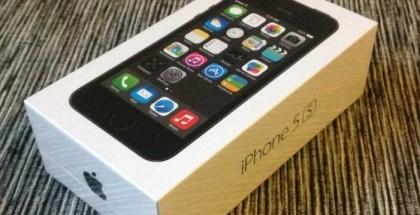 Mobiili.fin käsissä on uusi tähtiharmaa-musta iPhone 5s. Tulemme julkaisemaan puhelimesta arvostelun lähipäivinä.