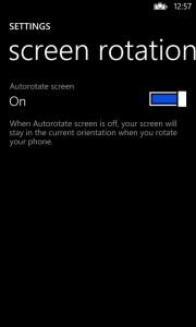 Näytön automaattisen käännön voi nyt poistaa käytöstä