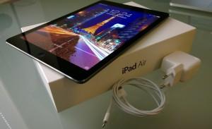 iPad Air myyntipakkauksineen