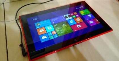 Nokian 10,1 tuumainen Lumia 2520. Pian seuraa perässä pikkuvelimalli?