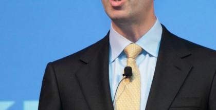 Nokian hallituksen puheenjohtajalla ja väliaikaisella pääjohtajalla Risto Siilasmaalla on kädet täynnä töitä kaupan saamiseksi läpi