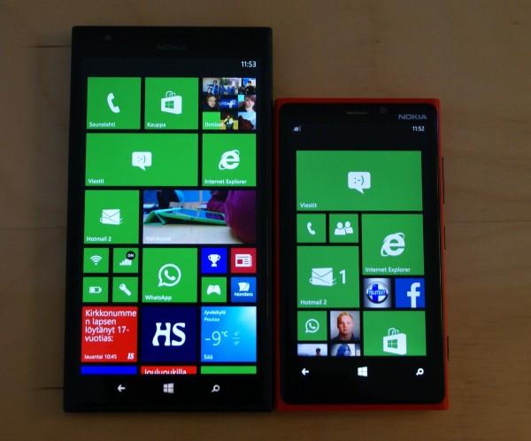 Nokia Lumia 1520 oikealla ja Nokia Lumia 920 vasemmalla