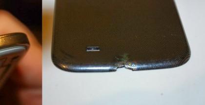 Kuvia savunneesta Galaxy S4:stä ja sen laturista