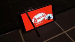 Android 4.4.2 KitKat Galaxy Note 3:ssa SamMobilen kuvassa