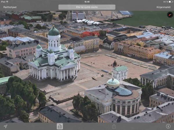 Flyover-näkymä Helsingin tuomiokirkosta ja Senaatintorin ympäristöstä Applen Kartat-sovelluksessa iPadilla