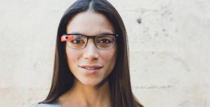 Google Glass ja yksi uusista silmälasikehysmalleista