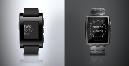 Vasemmalla alkuperäinen Pebble, oikealla uusi Pebble Steel