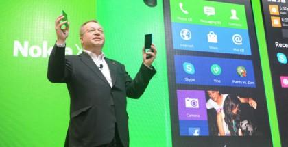 Stephen Elop julkisti Nokian X -uutuudet tänään Mobile World Congresissa
