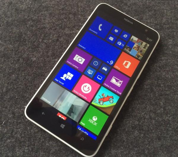 Lumia 1320:n ja Windows Phonen aloitusnäkymä
