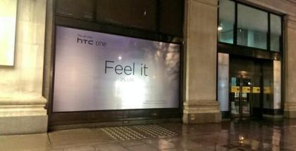 HTC mainostaa uutta Onea jo Selfridges-tavaratalon näyteikkunassa. Alkaako myynti jo myös 25. maaliskuuta?