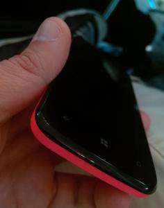BLU:n julkaisema ennakkokuva ensimmäisestä Windows Phone -puhelimesta