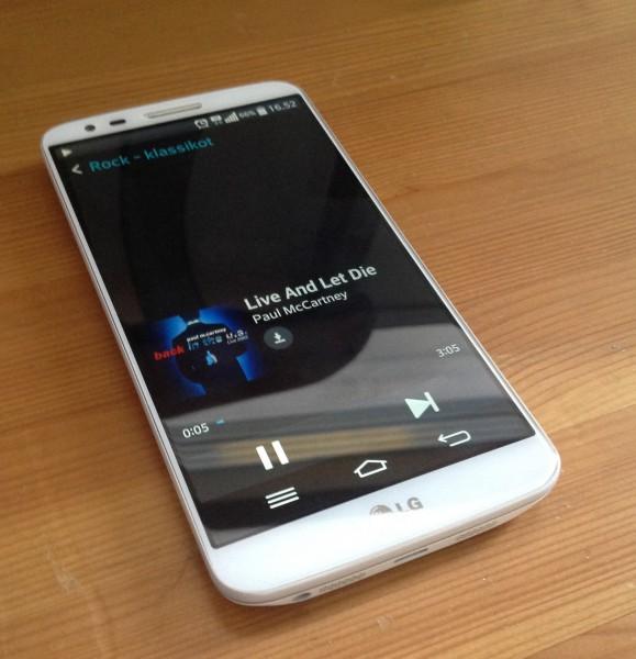 LG G2, jossa pyörii Nokia MIxRadio