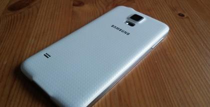 Galaxy S5 takaa