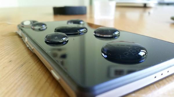 Monet Sonyn kalliimmat älypuhelimet kestävät vettä