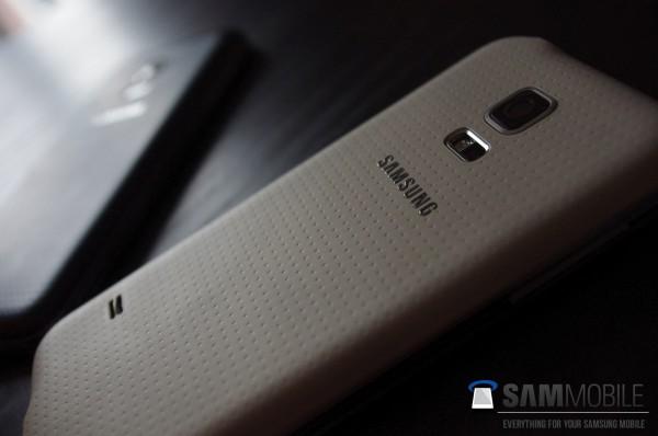 Väitetty vuotokuva Samsung Galaxy S5 ministä
