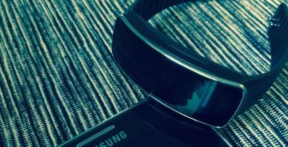 Samsung Gear Fit oli testissä Galaxy Note 3:n kanssa